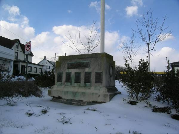 Govans                 WWII Monument